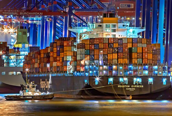 container shipping for AI TALK blog post-1